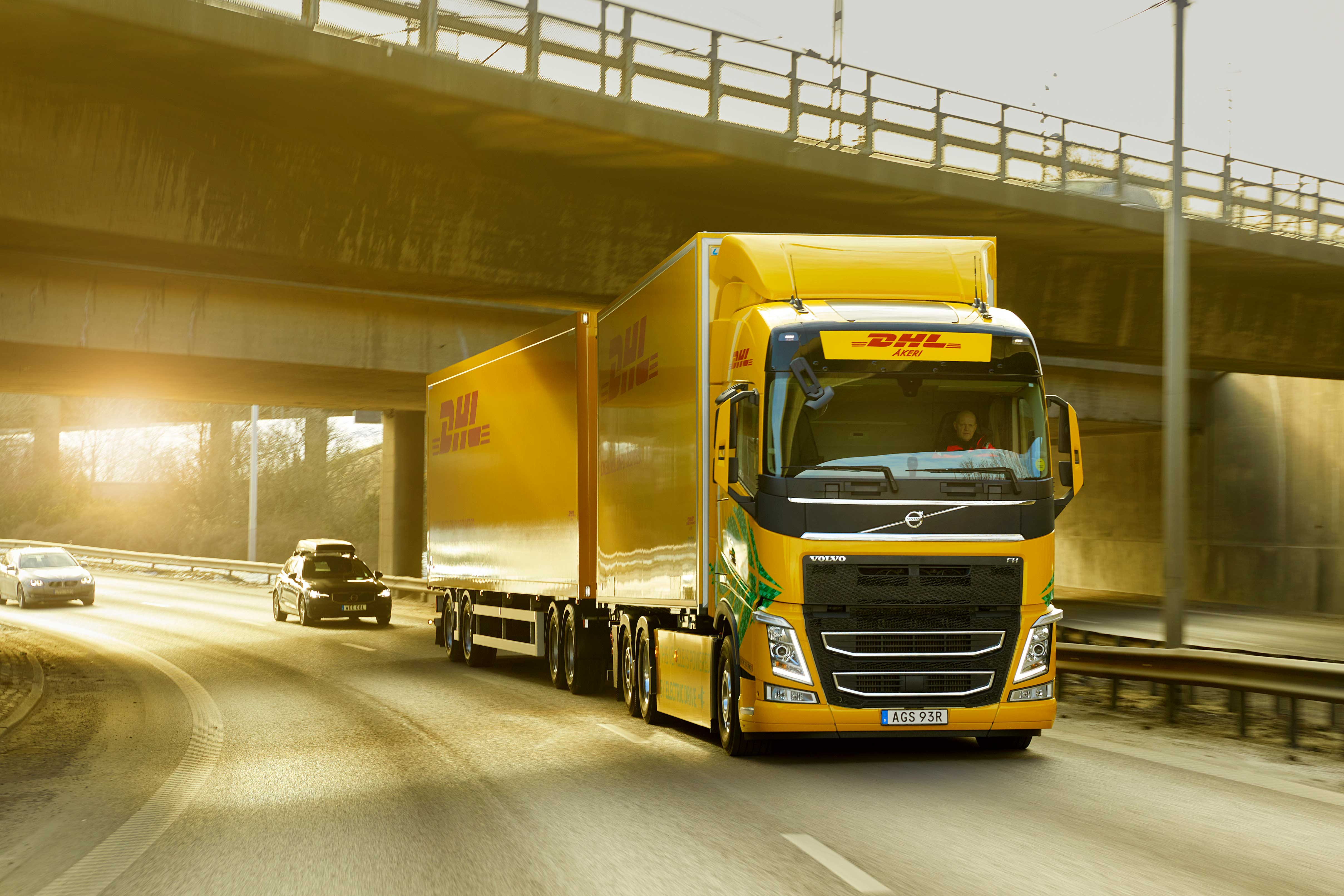 DHL Freight and Volvo Trucks join forces to speed up transition to fossil free road transport on longer distances