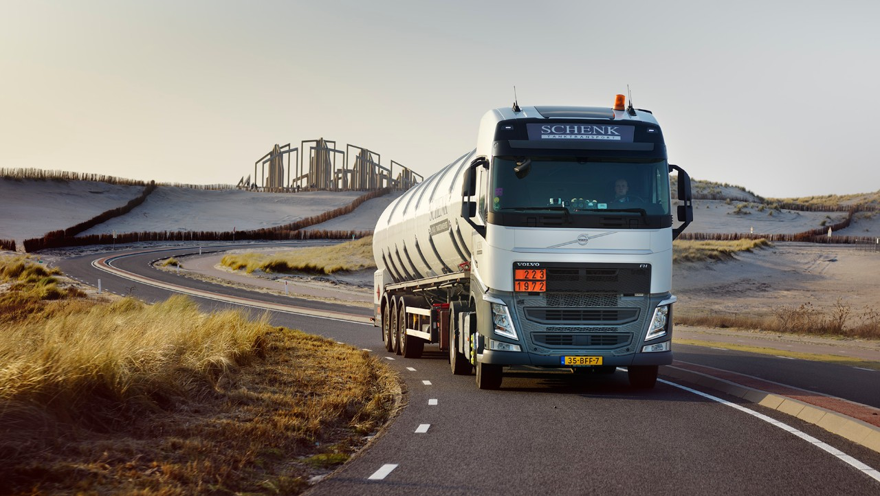 Volvo FH należące do Schenk Tanktransport.